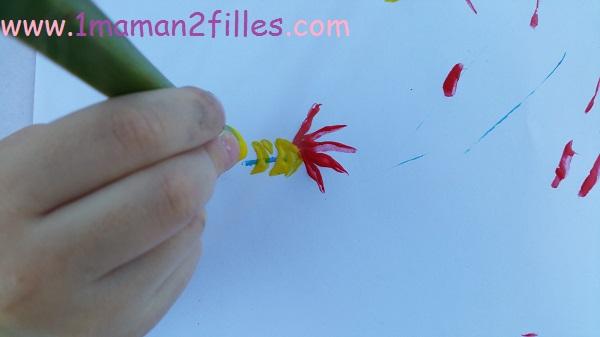 1maman2filles activité peinture naturel avec une tige de yucca 6