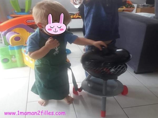 barbecue et tablier renard-idees-cadeaux-2-ans