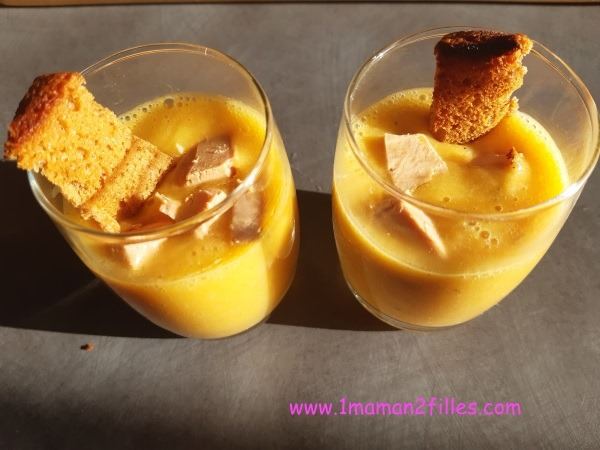 Soupe de potimarron et foie gras gourmandises-salees-noel-moment-eclater-cuisine